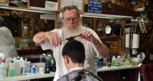 В Петербурге открылась православная парикмахерская.