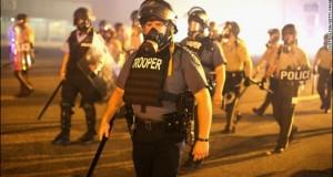 В Фергюсоне возобновились беспорядки после оправдания Даррена Уилсона.