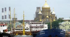В Петербурге судам запретили выходить на водные объекты