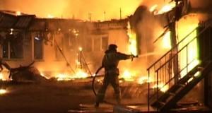 В Китае 11 человек погибло при пожаре в баре.