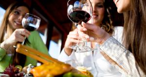 Упоминание алкоголя в соцсетях вызывает желание выпить