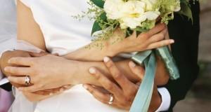 Длинный безымянный палец указывает на склонность человека к изменам