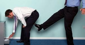 Издевательства на работе уничтожают жизнь человека