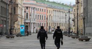 Сотрудники МВД начинают штрафовать петербуржцев, нарушивших самоизоляцию